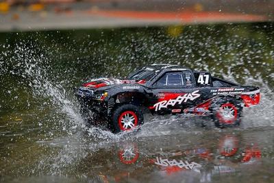 Traxxas SLASH 4X4 VXL Electro Racetruck 100+ km/u
