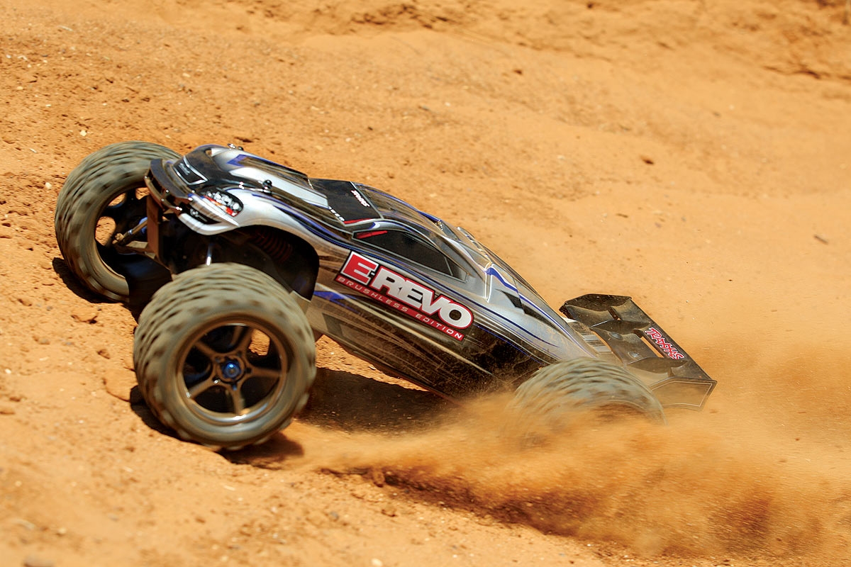 Traxxas E Revo Brushless Waterproofr 1 10